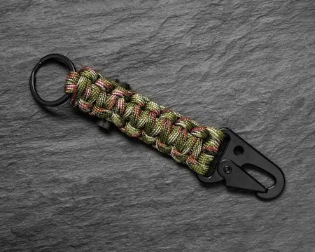 Survivalowy brelok PARACORD - ARMY GREEN